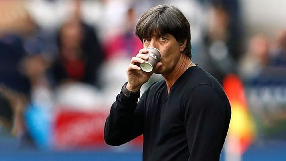 Cầu thủ Đức sụp đổ sau cú sốc trước Mexico